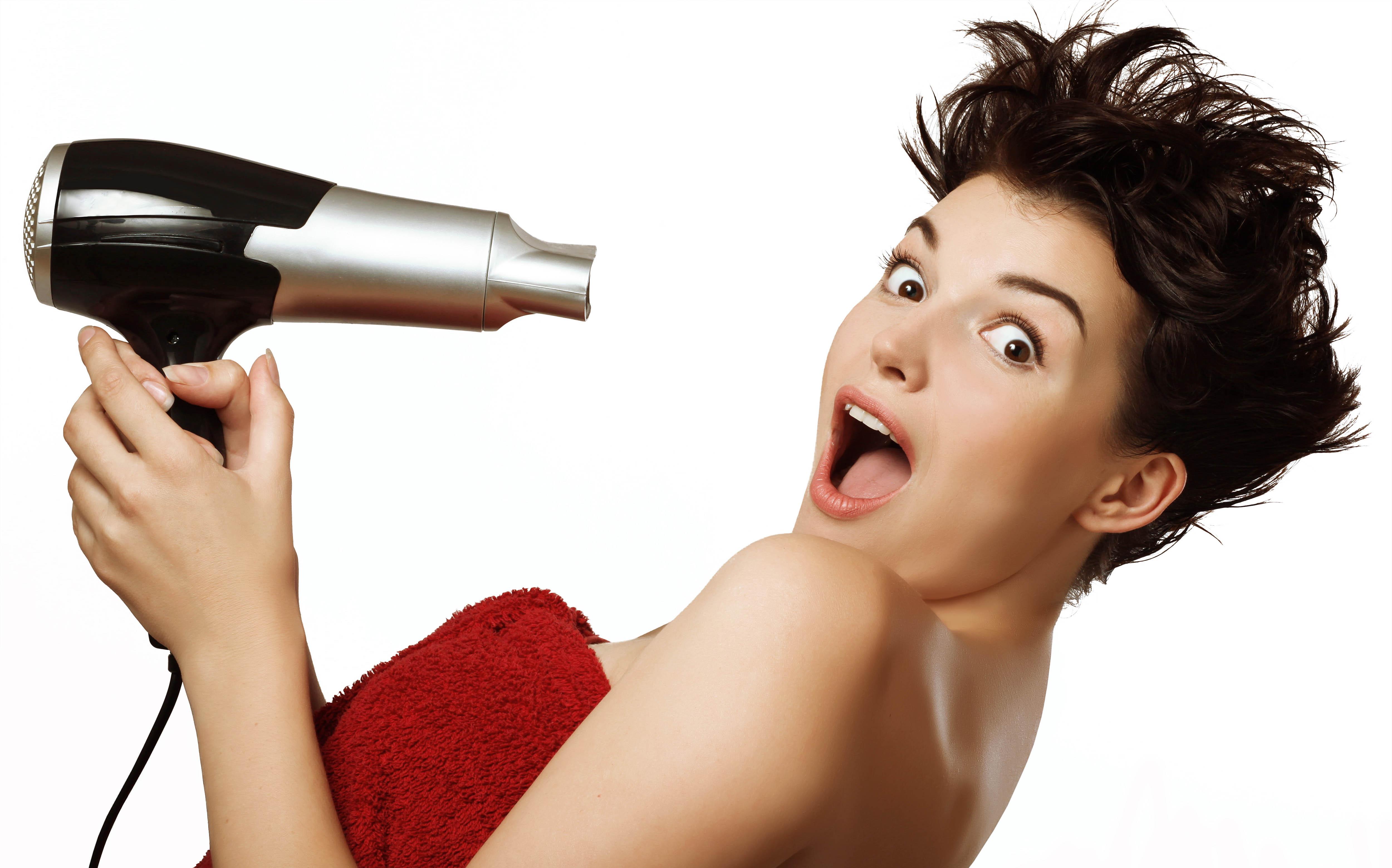 Poca manutenzione, tanti stili diversi: quante volte hai sognato una piega impeccabile (e super easy) per i tuoi capelli corti?